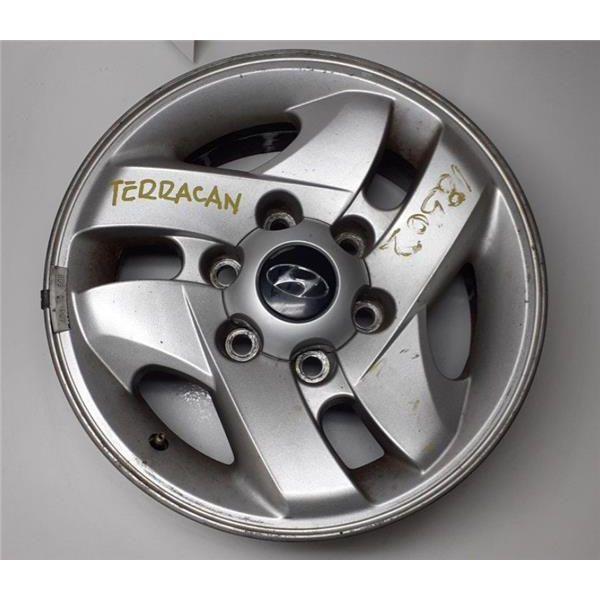 Llanta de Hyundai Terracan '01