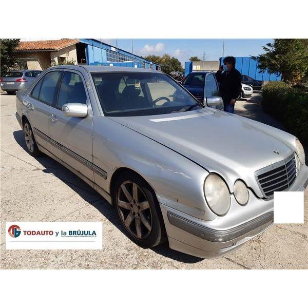 Mangueta delantera derecha de Mercedes Otros '95